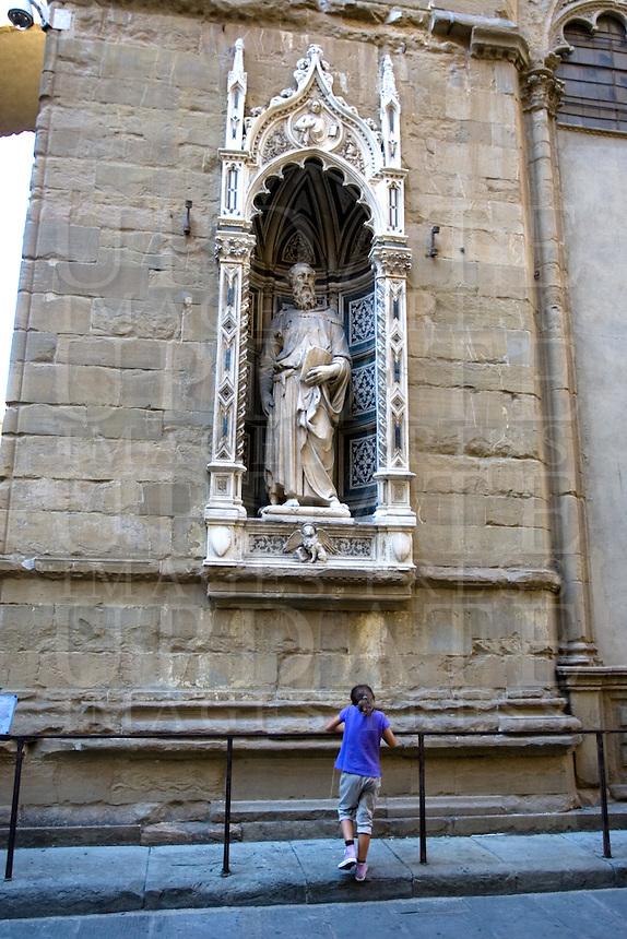 La statua di San Marco scolpita da Donatello, sulla chiesa di Orsanmichele a Firenze.<br /> The Donatello's statue of St. Mark on the facade of the Orsanmichele church, in Florence.<br /> UPDATE IMAGES PRESS/Riccardo De Luca