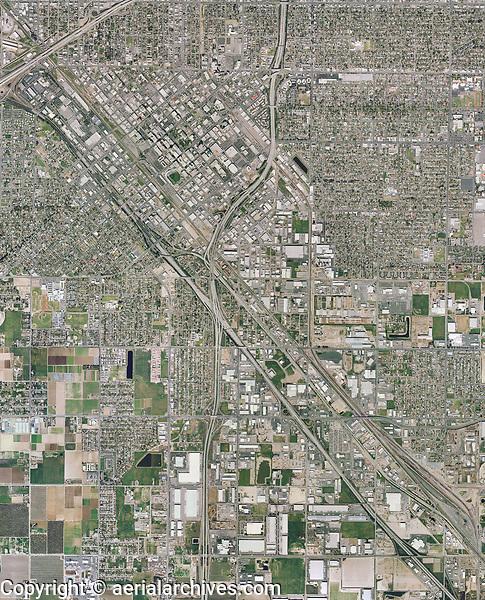 historical aerial photo map of Fresno, California, 2006