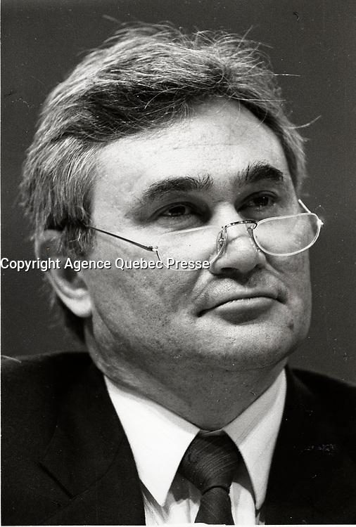 Le congres du NPD, mars 1987 au Palais des congres de Montreal<br /> <br /> Michel Agnaieff, Associate President of the New Democratic Party - Nouveau Parti Democratique (NDP-NPD) at the March 12, 1987 convention in Montreal.<br /> <br /> PHOTO : Agence Quebec Presse - Pierre Roussel