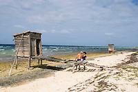 Cuba, Playa Santa Lucia, Fischer bei La Boca , Provinz Camagüey