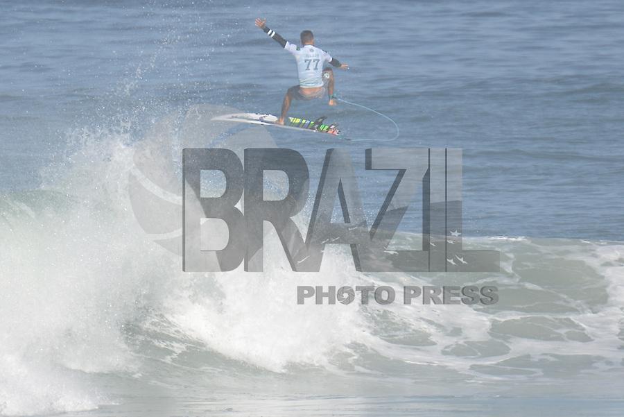 SAQUAREMA, RJ, 16.05.2018 - WSL-RJ - Filipe Toledo, no Oi Rio Pro etapa da WSL na Praia de Itaúna, Saquarema, Rio de Janeiro nesta quarta-feira, 16. (Foto: Clever Felix/Brazil Photo Press)