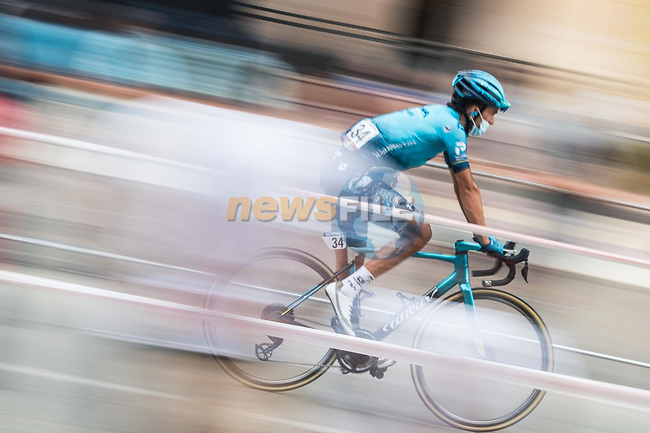 Gorka Izagirre Insausti (ESP) Astana-Premier Tech arrives at sign on before the start of Stage 9 of La Vuelta d'Espana 2021, running 188km from Puerto Lumbreras to Alto de Velefique, Spain.    <br /> Picture: Unipublic/Charly Lopez   Cyclefile<br /> <br /> All photos usage must carry mandatory copyright credit (© Cyclefile   Charly Lopez/Unipuplic)