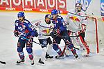 v.l. Mannheims Nicolas Krämmer / Kraemmer (Nr.21), Muenchens Yannic Seidenberg (Nr.36), Mannheims Lean Bergmann (Nr.19) und Muenchens Kevin Reich (Nr.35)  beim Spiel des MAGENTA SPORT CUP 2020, Adler Mannheim (blau) - EHC Red Bull Muenchen (weiss).<br /> <br /> Foto © PIX-Sportfotos *** Foto ist honorarpflichtig! *** Auf Anfrage in hoeherer Qualitaet/Aufloesung. Belegexemplar erbeten. Veroeffentlichung ausschliesslich fuer journalistisch-publizistische Zwecke. For editorial use only.