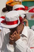 Centenas de homens e mulheres se vestem com a tradicional roupa de marujo  durante a Marujada em comemoração a São Benedito.Maruja vai a pé e descalça para participar da homenagem a São Benedito.Comemorado pelos negros  a mais de duzentos anos, São Benedito, o santo preto, recebe homenagem de marujos e marujasna manhã da procissão que homenageia o santo.Bragança, Pará, Brasil.Paulo Santos/Interfoto26/12/2009