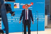 AfD im Bundestag.<br /> Im Bild: Bernd Baumann, Parlamentarischer Geschaeftsfuehrer der AfD-Bundestagsfraktion bei einem Pressestatement. Er wurde zur Meinung der AfD zur Vereinbarung zwischen CDU/CSU und SPD bei den Koalitionsverhandlungen zum Familiennachzug gefragt, der in den Verhandlungen am Vorabend beschlossen wurde. Er wusste nichts von der Vereinbarung, betonte aber, dass die AfD gegen diese Vereinbarung sei.<br /> 30.1.2018, Berlin<br /> Copyright: Christian-Ditsch.de<br /> [Inhaltsveraendernde Manipulation des Fotos nur nach ausdruecklicher Genehmigung des Fotografen. Vereinbarungen ueber Abtretung von Persoenlichkeitsrechten/Model Release der abgebildeten Person/Personen liegen nicht vor. NO MODEL RELEASE! Nur fuer Redaktionelle Zwecke. Don't publish without copyright Christian-Ditsch.de, Veroeffentlichung nur mit Fotografennennung, sowie gegen Honorar, MwSt. und Beleg. Konto: I N G - D i B a, IBAN DE58500105175400192269, BIC INGDDEFFXXX, Kontakt: post@christian-ditsch.de<br /> Bei der Bearbeitung der Dateiinformationen darf die Urheberkennzeichnung in den EXIF- und  IPTC-Daten nicht entfernt werden, diese sind in digitalen Medien nach §95c UrhG rechtlich geschuetzt. Der Urhebervermerk wird gemaess §13 UrhG verlangt.]