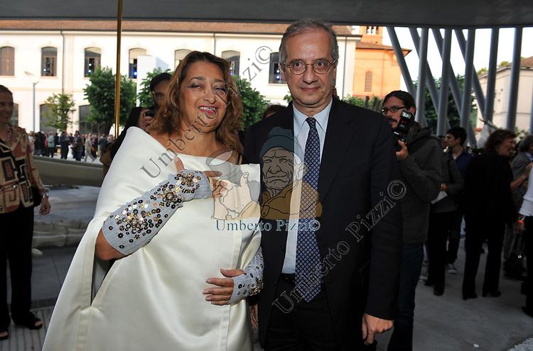 WALTER VELTRONI CON ZAHA HADID<br /> INAUGURAZIONE MAXXI ROMA 2010