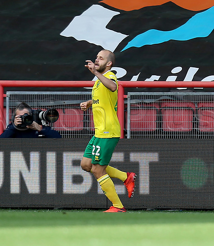 31st October 2020; Ashton Gate Stadium, Bristol, England; English Football League Championship Football, Bristol City versus Norwich;Goal celebrations for Teemu Pukki of Norwich City for the opening goal and 1-0 in minute 6