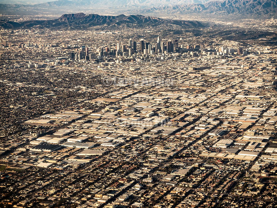 A window seat on a United Airlines flight from Chicago to Los Angeles over America's Flyover County.