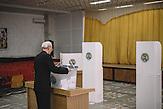 At the voting station in  Chisinau, Republic of Moldova. / Präsidentenwahl in der Republik Moldau am 30.10.2016 in Chisinau