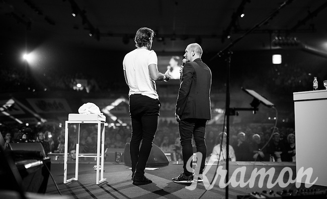 'Ciao Fabian' host Karl Vannieuwkerke & Spartacus himself at the end of the show, thanking the fans<br /> <br /> Farewell event in 't Kuipke in Gent/Belgium for Fabian Cancellara after retiring for pro racing (november 2016)