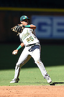 Oakland Athletics shortstop Yairo Munoz (29) during an Instructional League game against the Arizona Diamondbacks on October 10, 2014 at Chase Field in Phoenix, Arizona.  (Mike Janes/Four Seam Images)
