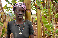 RWANDA Save near Butare , Genocide survivor Tutsi woman Odetta Twilingimana who has lost her husband during genocide 1994, he was killed by a Hutu neighboor  / RUANDA Save bei Butare , Ueberlebende des Genozid , Tutsi Frau Odetta Twilingimana hat ihren Mann waehrend des Voelkermord 1994 verloren  , er wurde von einem Hutu Nachbarn ermordet