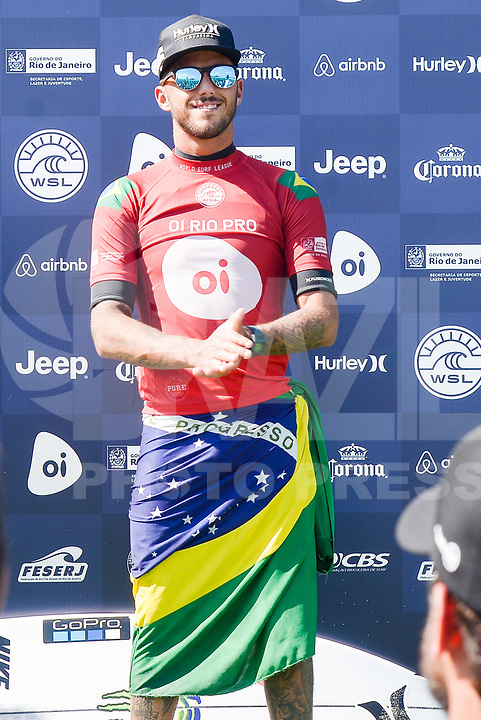 SAQUAREMA, RJ, 18.05.2018 - WSL-RJ - Filipe Toledo comemora o título do Oi Rio Pro etapa da WSL na Praia de Itaúna, Saquarema, Rio de Janeiro nesta sexta-feira, 18. (Foto: Clever Felix/Brazil Photo Press)