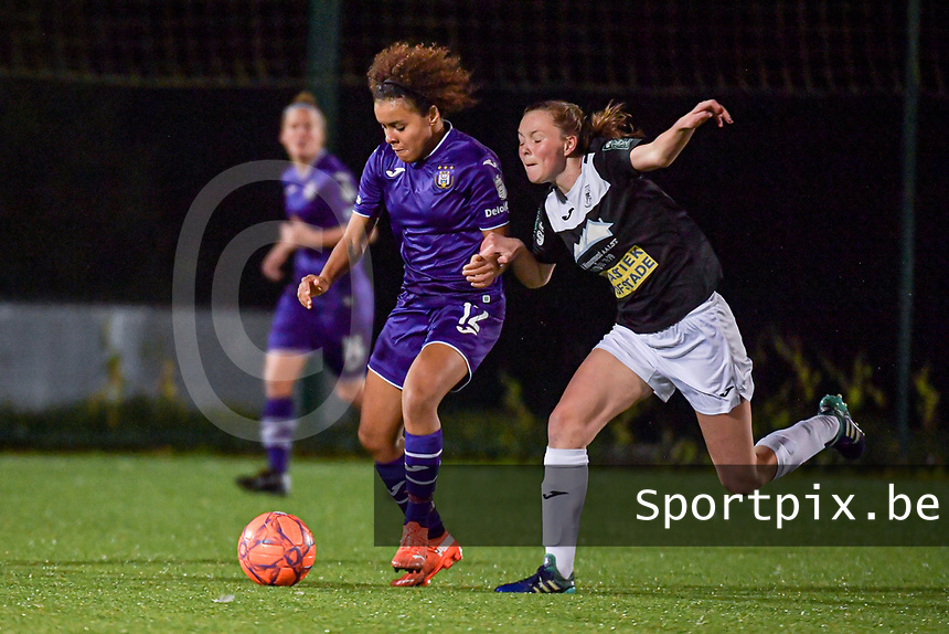 Anderlecht midfielder Kassandra Missipo (12) and Aalst's forward Loes Van Mullem (33) pictured during a female soccer game between RSC Anderlecht Dames and Eendracht Aalst Ladies  on the fourth matchday of the 2020 - 2021 season of Belgian Womens Super League , Tuesday 13 th of October 2020  in ANDERLECHT , Belgium . PHOTO SPORTPIX.BE | SPP | STIJN AUDOOREN