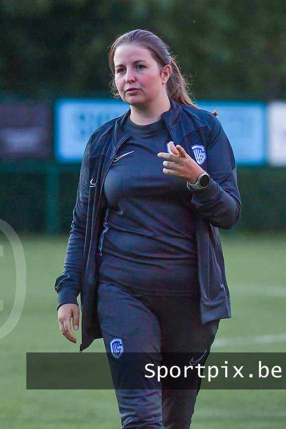 Genk's assistant coach Sarah Geurts pictured during a female soccer game between KRC Genk Ladies and Sporting Charleroi  on the first matchday of the 2020 - 2021 season of Belgian Women's SuperLeague , friday 28 of August 2020  in Genk , Belgium . PHOTO SPORTPIX.BE | SPP | STIJN AUDOOREN