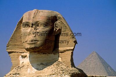 EGY, Aegypten, Gizeh: Sphinx und Mykerinos Pyramide | EGY, Egypt, Gizeh: Sphinx and Mykerinos Pyramid