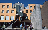 Los Angeles: Loyola Law School, 1981-84.  Frank Gehry, Architect. Photo April 2000.