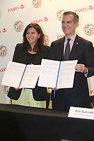 ANNE HIDALGO ERIC GARCETTI JEUX DE 2024 ET 2028 LES MAIRES DE PARIS ET LOS ANGELES SIGNENT UN ACCOD DE COOPERATION