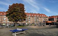 Nederland  Amsterdam  2020.   Spaardammerbuurt. Zaandammerplein.  Foto : ANP/ HH / Berlinda van Dam