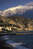 France/06/Alpes-Maritimes/Menton: Vue générale