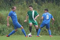 Sjalmach Simbargov (Rüsselsheim) gegen Yannik Bert (Erfelden) - Erfelden 29.08.2021: SKG Erfelden gegen DJK SG Eintracht Rüsselsheim, Sportplatz Erfelden