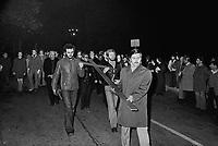 - Milan, demonstration  of young people of catholic organizations (December 1976)....- Milano, manifestazione di giovani delle organizzazioni cattoliche (dicembre 1976)