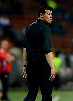 MEDELLÍN - COLOMBIA - 28 - 03 - 2018: Jorge Almiron, técnico de Atletico Nacional durante partido de la fecha 11 entre Atletico Nacional y Atletico Huila, por la Liga Águila I 2018, jugado en el estadio Atanasio Girardot de la ciudad de Medellín. / Jorge Almiron, coach of Atletico Nacional during a match of the 11th date between Atletico Nacional and Atletico Huila for the Aguila League I 2018, played at Atanasio Girardot stadium in Medellin city. Photo: VizzorImage / León Monsalve / Cont.