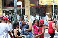 São Paulo (SP), 20/02/2021 - Comércio-SP - Movimento no comércio da rua 25 de Março no centro de São Paulo neste sábado (20).