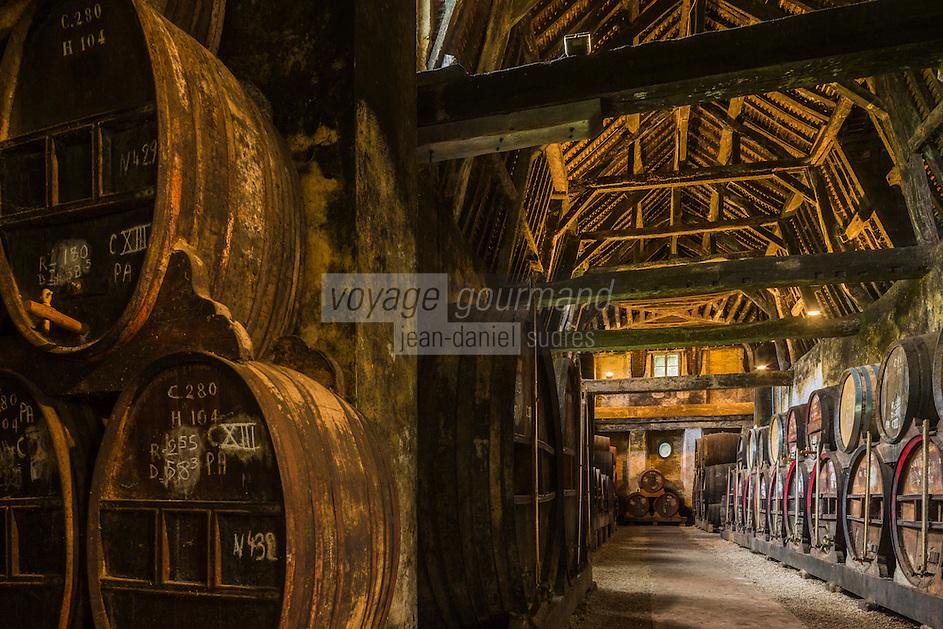 France, Calvados (14), Pays d' Auge,  Le Breuil-en-Auge, Château du Breuil,  les  chais à Calvados  du château.// France, Calvados, Pays d' Auge,  Le Breuil en Auge, Château du Breuil, Caivados cellar of  the castle
