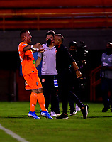 ENVIGADO - COLOMBIA, 26-09-2020: Santiago Jimenez de Envigado F. C., celebra con Jose Arastey, el gol anotado a Atletico Junior  durante partido entre Envigado F. C. y Atletico Junior  de la fecha 10 por la Liga BetPlay DIMAYOR I 2020, en el estadio Polideportivo Sur de la ciudad de Envigado. / Santiago Jimenez of Envigado F. C., celebrates with Jose Arastey a scored goal to Atletico Junior, during a match between Envigado F. C., and Atletico Junior of the 10th date  for the BetPlay DIMAYOR Leguaje I 2020 at the Polideportivo Sur stadium in Envigado city. Photo: VizzorImage / Luis Benavides / Cont.