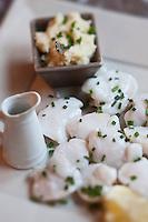 Europe/France/Nord-Pas-de-Calais/59/Nord/ Dunkerque: Joues de morue salées au beurre fondu, recette de Pierre Neuville, restaurant: Au Petit Pierre