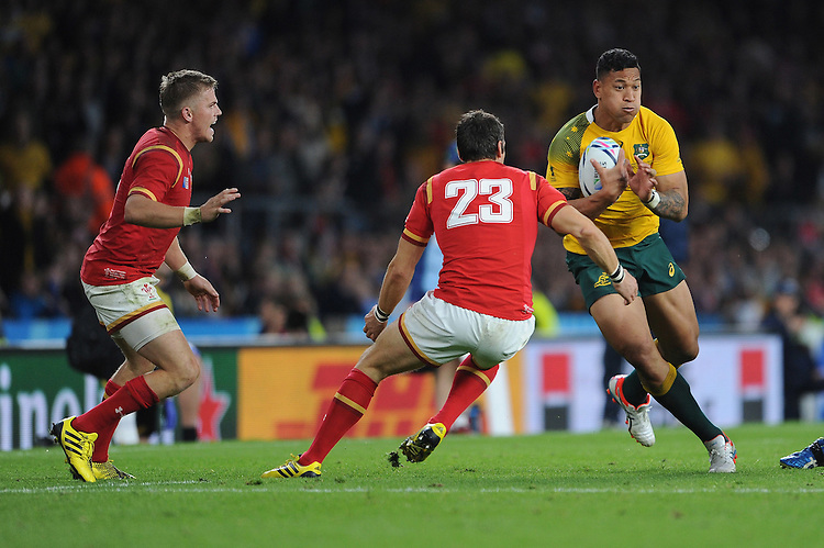 Israel Folau of Australia attacks a gap next to James Hook of Wales during Match 35 of the Rugby World Cup 2015 between Australia and Wales - 10/10/2015 - Twickenham Stadium, London<br /> Mandatory Credit: Rob Munro/Stewart Communications