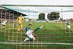 19.09.2020, Dietmar-Scholze-Stadion an der Lohmuehle, Luebeck, GER, 3. Liga, VfB Luebeck vs 1.FC Saarbruecken <br /> <br /> im Bild / picture shows <br /> #hl16# kleart im letzten Moment einen Torschuss<br /> <br /> <br /> DFB REGULATIONS PROHIBIT ANY USE OF PHOTOGRAPHS AS IMAGE SEQUENCES AND/OR QUASI-VIDEO.<br /> <br /> Foto © nordphoto / Tauchnitz