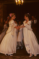 Europe/Pologne/Varsovie : Danses et  Groupe musical