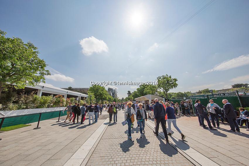 Paris, France, 25 June, 2016, Tennis, Roland Garros,  ambiance<br /> Photo: Henk Koster/tennisimages.com