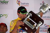 MEDELLÍN -COLOMBIA-26-12-2012. El ciclista español Óscar Sevilla, campeón de la edición 63 de la Vuelta a Colombia 'Superate' 2013 Medellín.  Photo:VizzorImage/Luis Ríos/STR