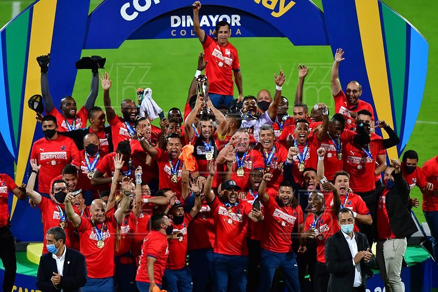 MEDELLÍN- COLOMBIA, 11-02-2021: Independiente Medellín celebra al ganar la Copa Betplay 2020 al vencer al Deportes Tolima.Independiente Medellín y Deportes Tolima en partido por la final de la Copa BetPlay DIMAYOR 2020 jugado en el estadio Atanasio Girardot de la ciudad de Medellín  / Independiente Medellín celebrates by winning the 2020 Betplay Cup by beating Deportes Tolima.Independiente Medelllin and Deportes Tolima in match for the final as part of BetPlay DIMAYOR Cup 2020 played at Atanasio Girardot stadium in Medellin. Photo: VizzorImage / Luis Benavides / Contribuidor