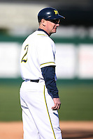 February 20, 2009:  Head Coach Rich Maloney (2) of the University of Michigan during the Big East-Big Ten Challenge at Jack Russell Stadium in Clearwater, FL.  Photo by:  Mike Janes/Four Seam Images