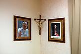 The portrate of Pope and Vinko Puljić Bosnian cardinal of the Roman Catholic Church / Europaschule Schulzentrum des heiligen Josef in Sarajewo. Hier werden Schüler aller Religionen und Ethnien gemeinsam unterrichtet.