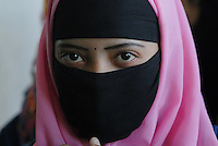 "Asien Suedasien Bangladesh , verschleierte Muslima -  Islam Frauen Frau xagndaz | .South asia Bangladesh Bogra , veiled muslim woman - religion Islam .| [ copyright (c) Joerg Boethling / agenda , Veroeffentlichung nur gegen Honorar und Belegexemplar an / publication only with royalties and copy to:  agenda PG   Rothestr. 66   Germany D-22765 Hamburg   ph. ++49 40 391 907 14   e-mail: boethling@agenda-fototext.de   www.agenda-fototext.de   Bank: Hamburger Sparkasse  BLZ 200 505 50  Kto. 1281 120 178   IBAN: DE96 2005 0550 1281 1201 78   BIC: ""HASPDEHH"" ,  WEITERE MOTIVE ZU DIESEM THEMA SIND VORHANDEN!! MORE PICTURES ON THIS SUBJECT AVAILABLE!!  ] [#0,26,121#]"