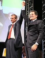 Roma 11 02 2006 Unione:Presentazione del Programma 2006-2011<br /> Nella foto il segretario dei DS Piero Fassino e il leader dell'Unione Romano Prodi<br /> Photo Serena Cremaschi Insidefoto