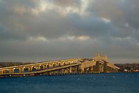 Jamestown Bridge, Magic Light
