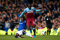 Arthur Masuaku of West Ham United and Moise Kean of Everton during the Premier League match between Everton and West Ham United at Goodison Park on October 19th 2019 in Liverpool, England. (Photo by Daniel Chesterton/phcimages.com)<br /> Foto PHC/Insidefoto <br /> ITALY ONLY