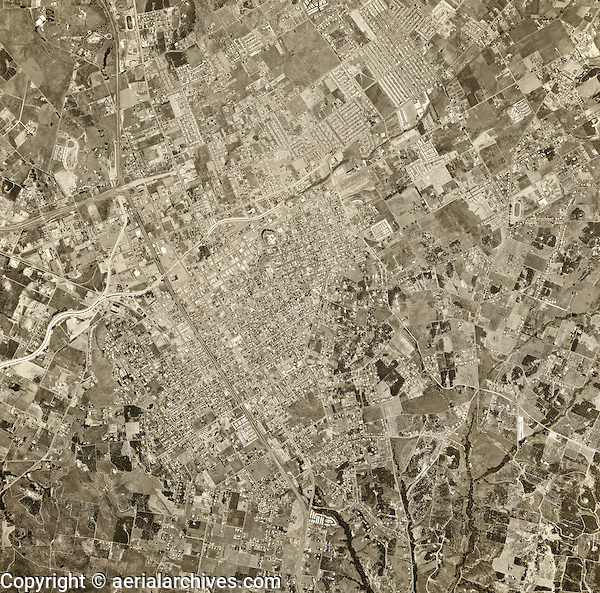 historical aerial photograph Escondido, San Diego County, California, 1967