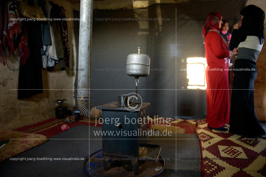 LEBANON Deir el Ahmad, a maronite christian village in Beqaa valley, syrian refugee camp / LIBANON Deir el Ahmad, ein christlich maronitisches Dorf in der Bekaa Ebene, Camp fuer syrische Fluechtlinge, Huette von Soumaya Alkhatib, hier lebt der Junge Ahmad, er ist mit seiner Familie aus Homs geflohen