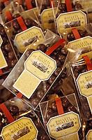 """Europe/France/Midi-Pyrénées/82/Tarn-et-Garonne/ Montauban: les """"Boulets de Montauban"""" spécialité a base de chocolat"""