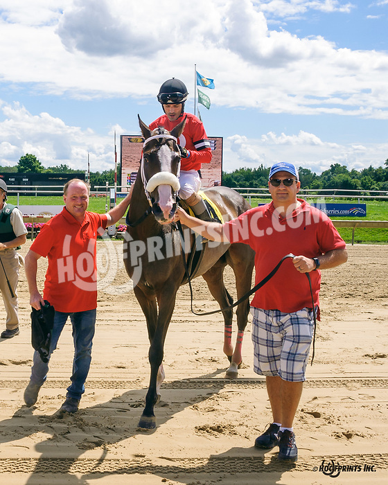 Leaping Empire winning at Delaware Park on 8/24/19