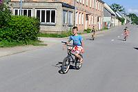 Kinder in Pavilosta, Lettland, Europa