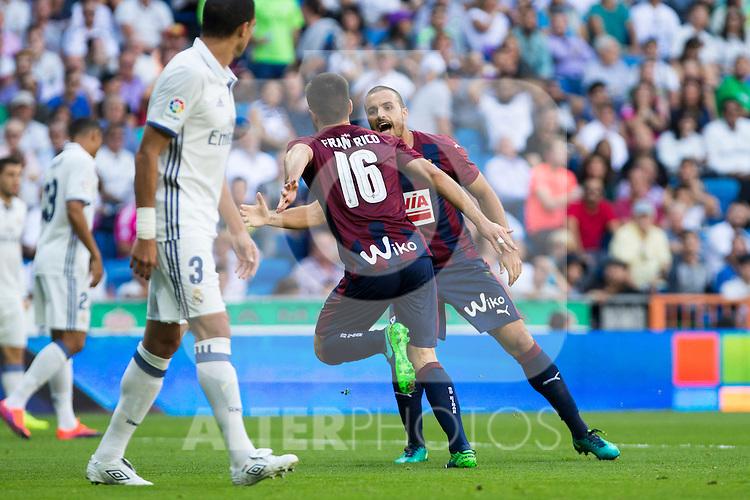 Eibar's Francisco Rico durign the match of La Liga between Real Madrid and SD Eibar at Santiago Bernabeu Stadium in Madrid. October 02, 2016. (ALTERPHOTOS/Rodrigo Jimenez)