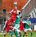 17.10.2020, Schwarzwald Stadion, Freiburg, GER, 1.FBL, SC Freiburg vs SV Werder Bremen<br /><br />im Bild / picture shows<br />Baptiste Santamaria (Freiburg), Jean Manuel Mbom (Bremen)<br /><br />Foto © nordphoto / Bratic<br /><br />DFL REGULATIONS PROHIBIT ANY USE OF PHOTOGRAPHS AS IMAGE SEQUENCES AND/OR QUASI-VIDEO.